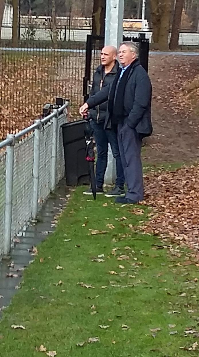 Hiddink en Mohammed Allach, technisch directeur van Vitesse.