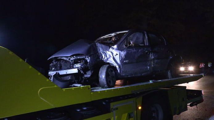 De auto liep veel schade op door de crash in Winterswijk.