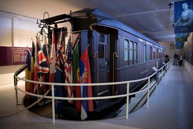 De replica van de wagon waar op 11 november 1918 de wapenstilstand tussen Frankrijk en Duitsland werd getekend Beeld AFP