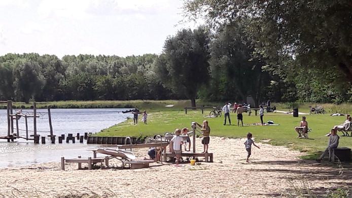 Stranden Nederland; de leukste en mooiste stranden met kinderen per provincie; Dobbeplas Nootdorp - Mamaliefde.nl