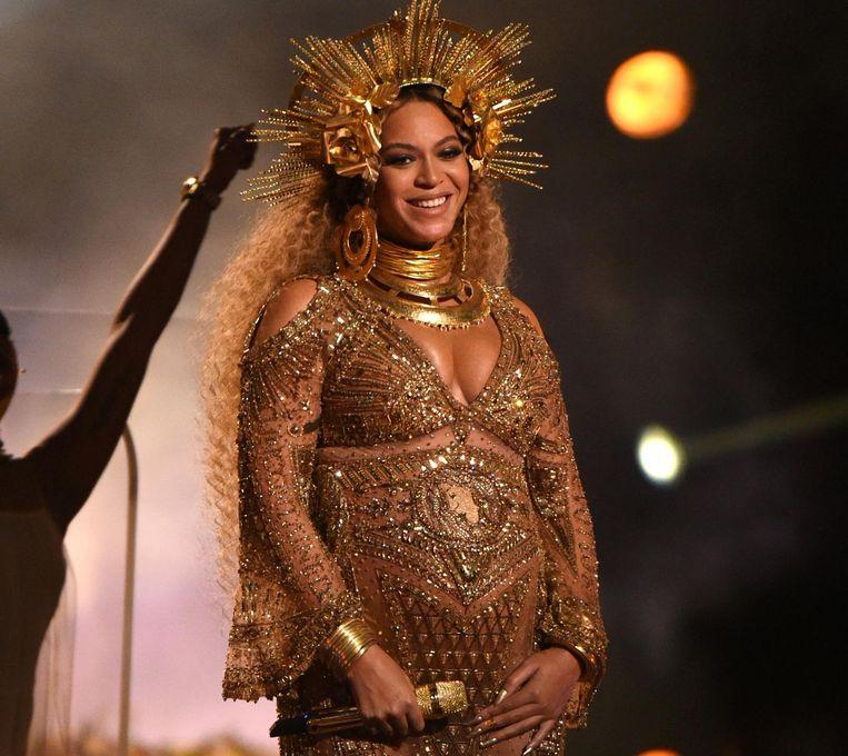 Beyoncé treedt op tijdens de uitreiking van de Grammy Awards. Beeld getty