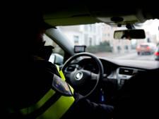 Slachtoffer gewond na gevecht met overvallers in Veenendaal, politie zoekt verdachten