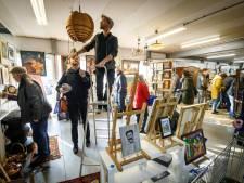 In de rij voor spul tussen kunst en kringloop in Tuk
