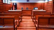 Twintiger slaat zijn vrouw bont en blauw in bijzijn van zijn ouders: 1 jaar cel