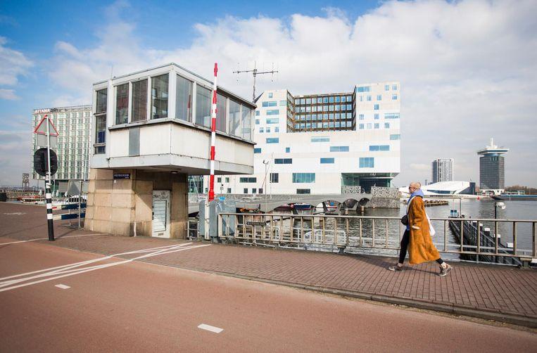 Westerdoksbrug, Westerdoksdijk - Westerkanaal. Vanaf 250 euro per nacht Beeld Eva Plevier