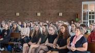 Buchenwald-overlever krijgt leerlingen muisstil