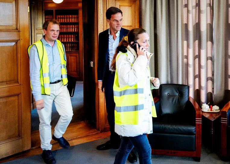 De gele hesjes bij Mark Rutte in het Torentje. Beeld ANP