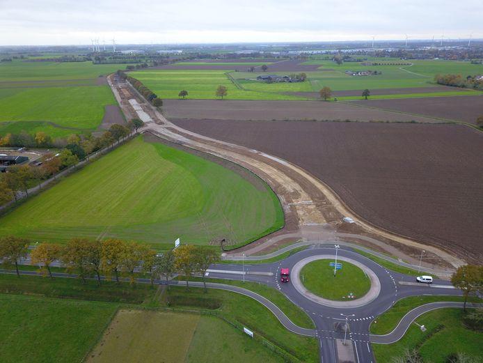 De grondwerkzaamheden voor de aanleg van ontbrekende schakel tussen Zeddam en 's-Heerenberg zijn in volle gang.