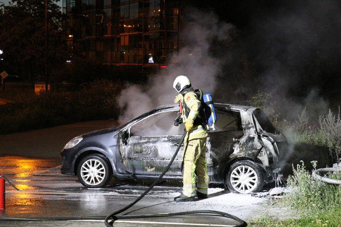 De auto is uitgebrand op een carpoolplaats in Nieuwegein.