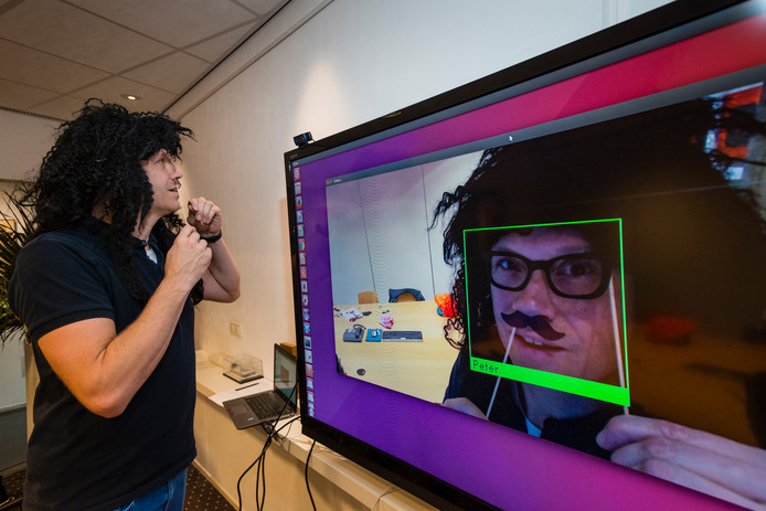 Nederland, Enschede 07dec2017 Peter Hoekstra van bedrijf 20face. bedrijf ontwikkelt software voor gezichtsherkenning.  Edities: Alle CE20171207
