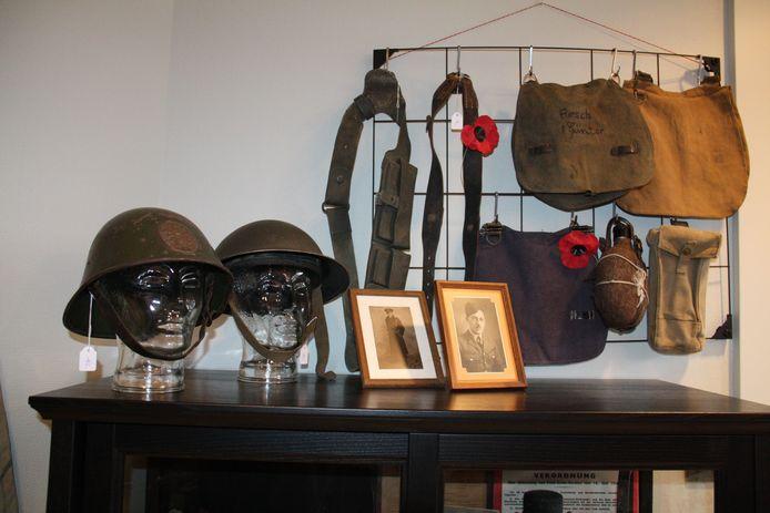Michael Brinkmann opende in Dorp 3 in Alveringem Militaria Belgium. Je vindt er helmen, gebruiksvoorwerpen en zelfs persoonlijke foto's