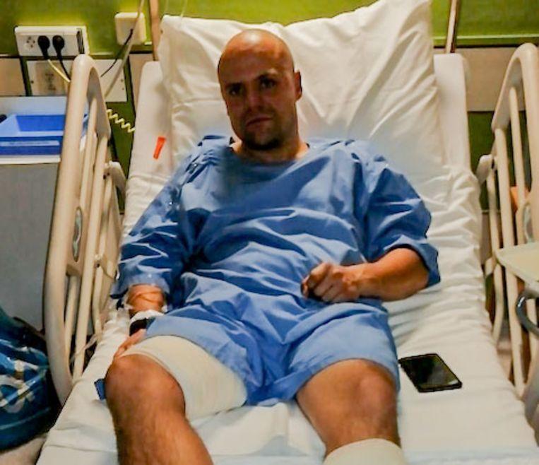 Kris liep ernstige snijwonden op aan de benen en heup.