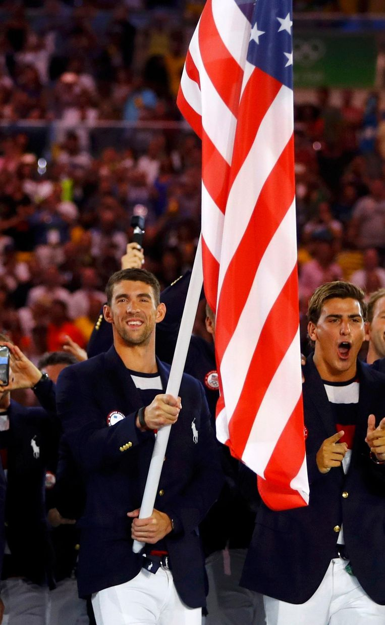 Michael Phelps, de Amerikaanse vlaggendrager. Beeld photo_news