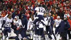 41-jarige Tom Brady loodst Patriots opnieuw naar Super Bowl