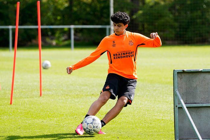 Richard Ledezma is een van de blikvangers van Jong PSV in het volgende seizoen.