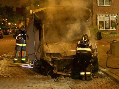 Camper uitgebrand aan Jongkindt Coninckstraat in Alphen