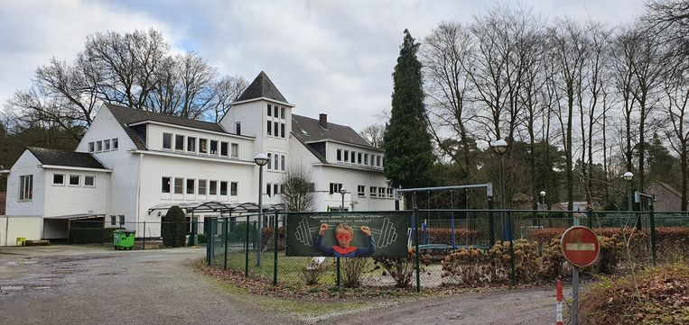 School Wilgenduin houdt maandag de deuren gesloten.