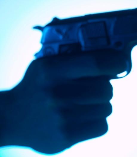 Man (22) uit Kerkdriel eist 10.000 euro: twee jaar cel voor afpersing met vuurwapen