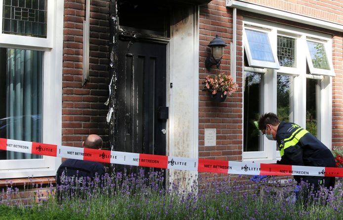 Onderzoek in Hedel, waar voordeur in brand is gestoken.