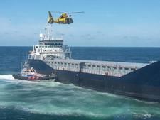 Brandweer met helikopter naar brand op vrachtschip