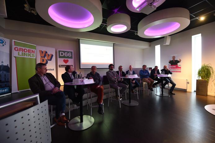 Roosendaalse kandidaten voor de gemeenteradsverkiezingen in De Kring in debat over logistiek.
