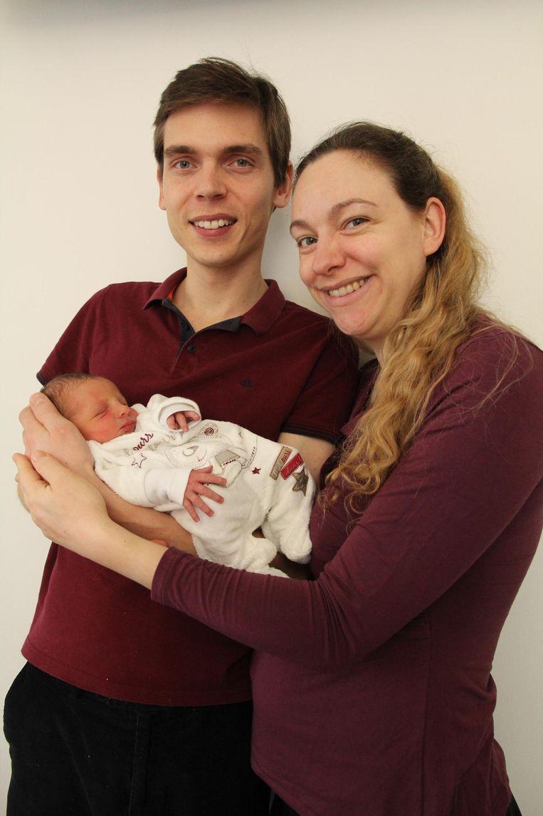 Delphine De Guchteneere met baby Stéphanie en haar man Jiri Lang.