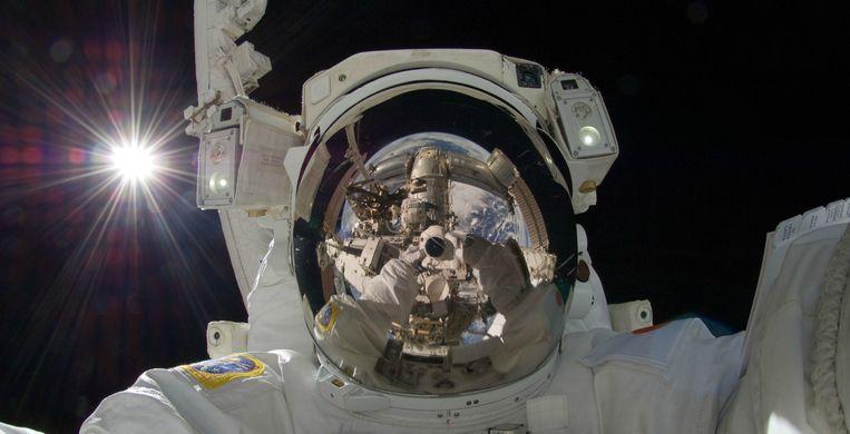 Een selfie van astronaut Aki Hoshide (2012). Beeld ap