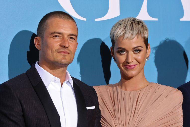 Orlando Bloom en Katy Perry zijn gaan samenwonen.