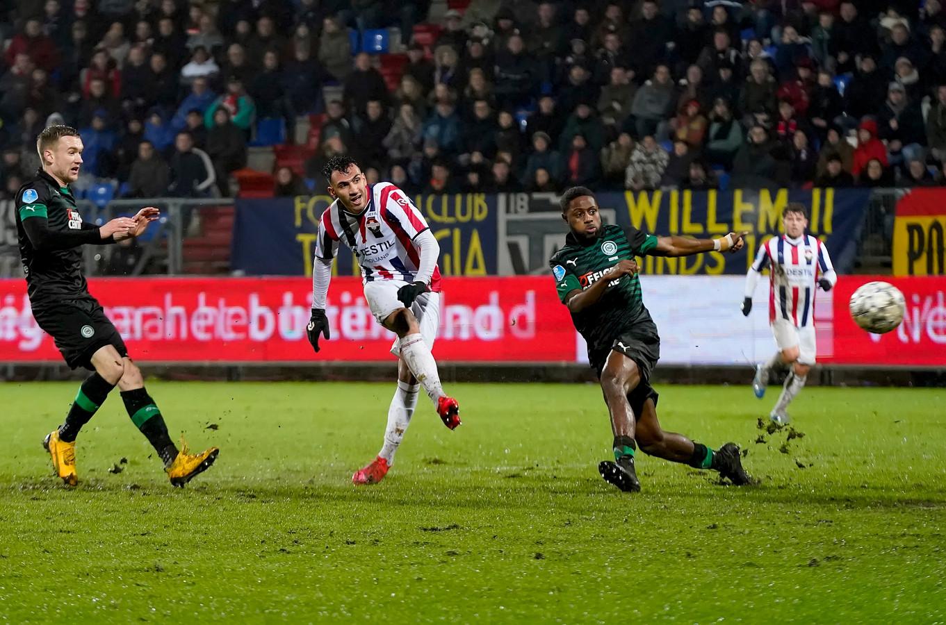 Vangelis Pavlidis maakt op 28 februari de 2-0 tegen FC Groningen namens Willem II. Het was het laatste (thuis)duel van de Tilburgers, toen nog in een vol stadion.