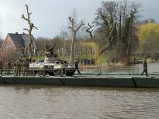 Inwoners Emmerik zitten niet te wachten op militaire voertuigen uit Achterhoek: 'In Duitsland ligt dit gevoelig'