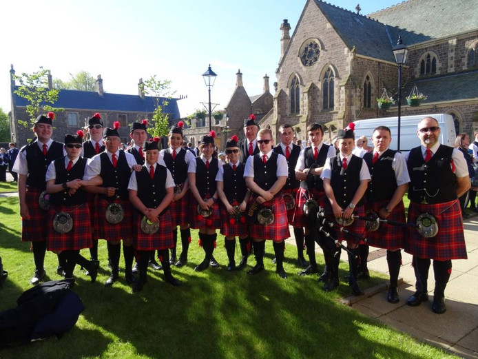 De Stonehouse Pipe Band.