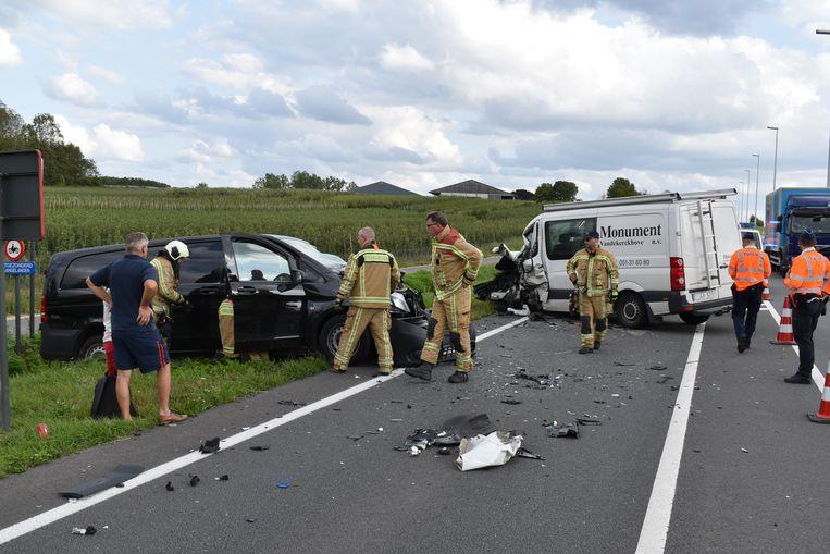 Door het ongeval raakte een rijvak versperd.