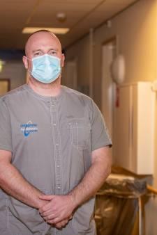 Militair Johan uit Emmeloord over thuismissie in zorghotel Apeldoorn: 'Het is onze roeping om mensen te helpen'