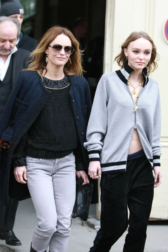 Lily-Rose Depp met mama Vanessa Paradis.