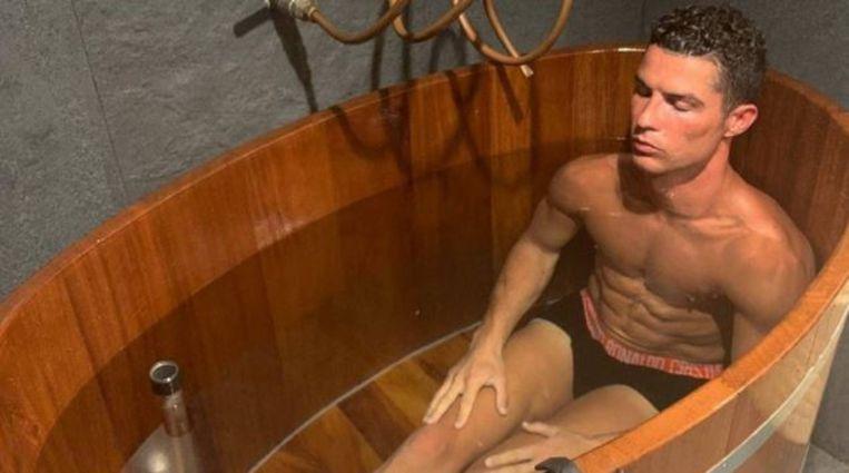 Ronaldo in een recuperatiebad.