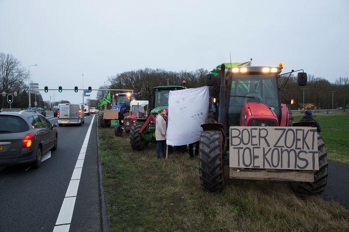 Een flashmob door boeren bij Varsseveld donderdag.