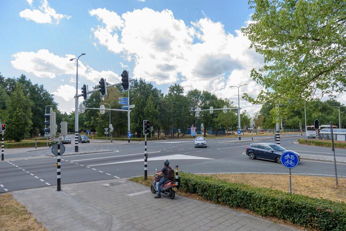 Het kruispunt Rondweg-Europalaan-Bredasebaan in Bladel.
