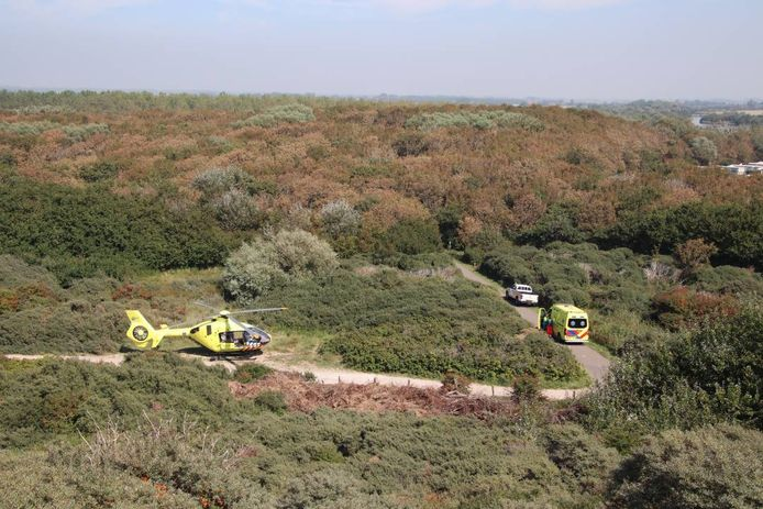 Traumahelikopter in de duinen van Westkapelle