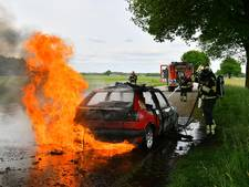 Auto uitgebrand in Riethoven