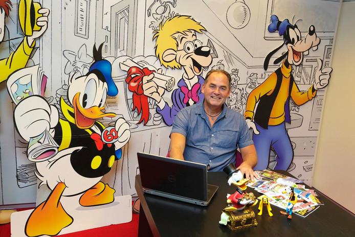 """Oud-Roosendaler Jos Beekman (51) bedenkt en schetst al dertig jaar scenario's voor 'de' Donald Duck. """"Dat ongeleide projectiel zit in mijn genen."""""""