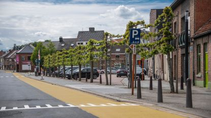Zandstraat met fietssuggestiestroken een feit, maar die zijn volgens Fietsersbond onvoldoende om veiligheid te verhogen