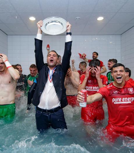 Ondanks interne tegenslagen gaf FC Twente het kampioenschap nooit op