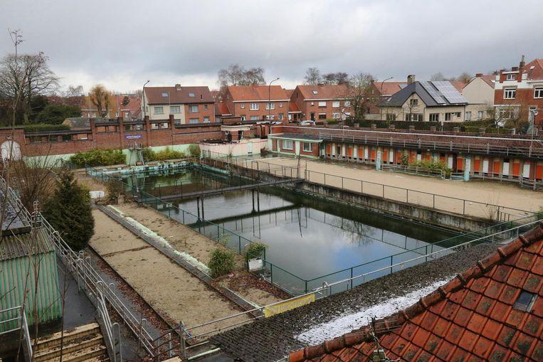 In 2001 sloot het openluchtzwembad de deuren. Het voldeed niet meer aan de milieuvoorschriften.