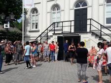 Boze bewoners camping Fort Oranje halen verhaal in gemeentehuis
