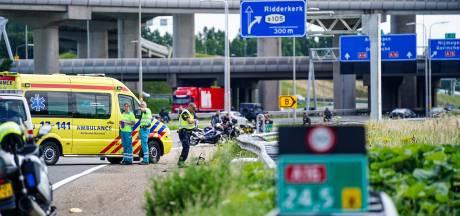 Motorrijder (26) uit Steenwijk komt om het leven bij eenzijdig ongeluk op de A16 bij Rotterdam