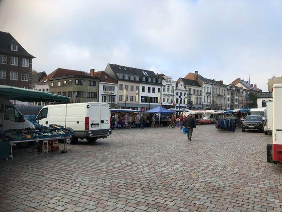 Een eerdere zaterdagmarkt op de Grote Markt in Turnhout.