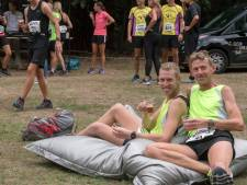 Hardlopen, wijntje en weer doorgaan bij de Duo Marathon in Putten