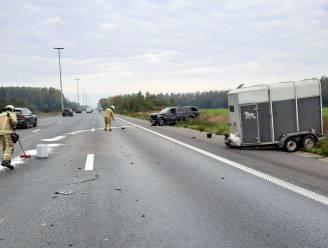 Twee rijstroken versperd door ongeval op E40 tussen Erpe-Mere en Wetteren