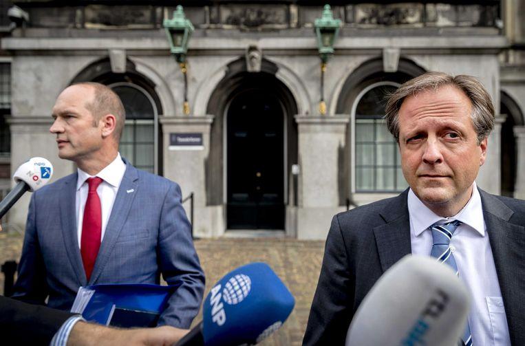 Gert-Jan Segers (ChristenUnie) en Alexander Pechtold (D66) na afloop van een overleg met informateur Gerrit Zalm. Beeld ANP