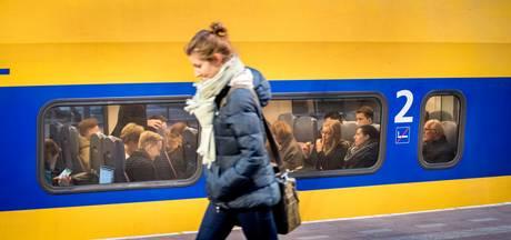 Trein botst op balk bij overweg in Brabant: mogelijk vandalisme